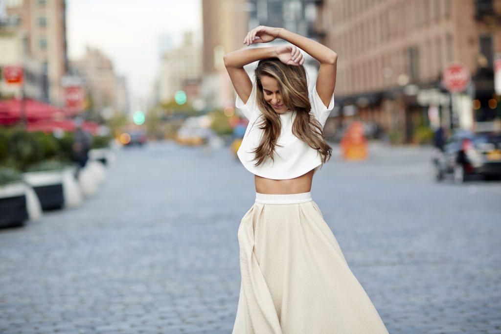 LR-Blogger_Fashion_Social_Ladys_White_020