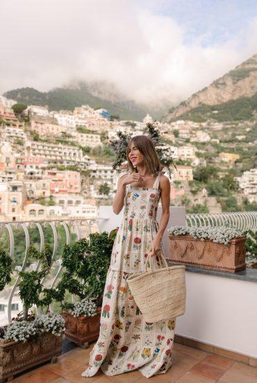 Stephanie Hill wears ootd featuring Agua by Agua Bendita