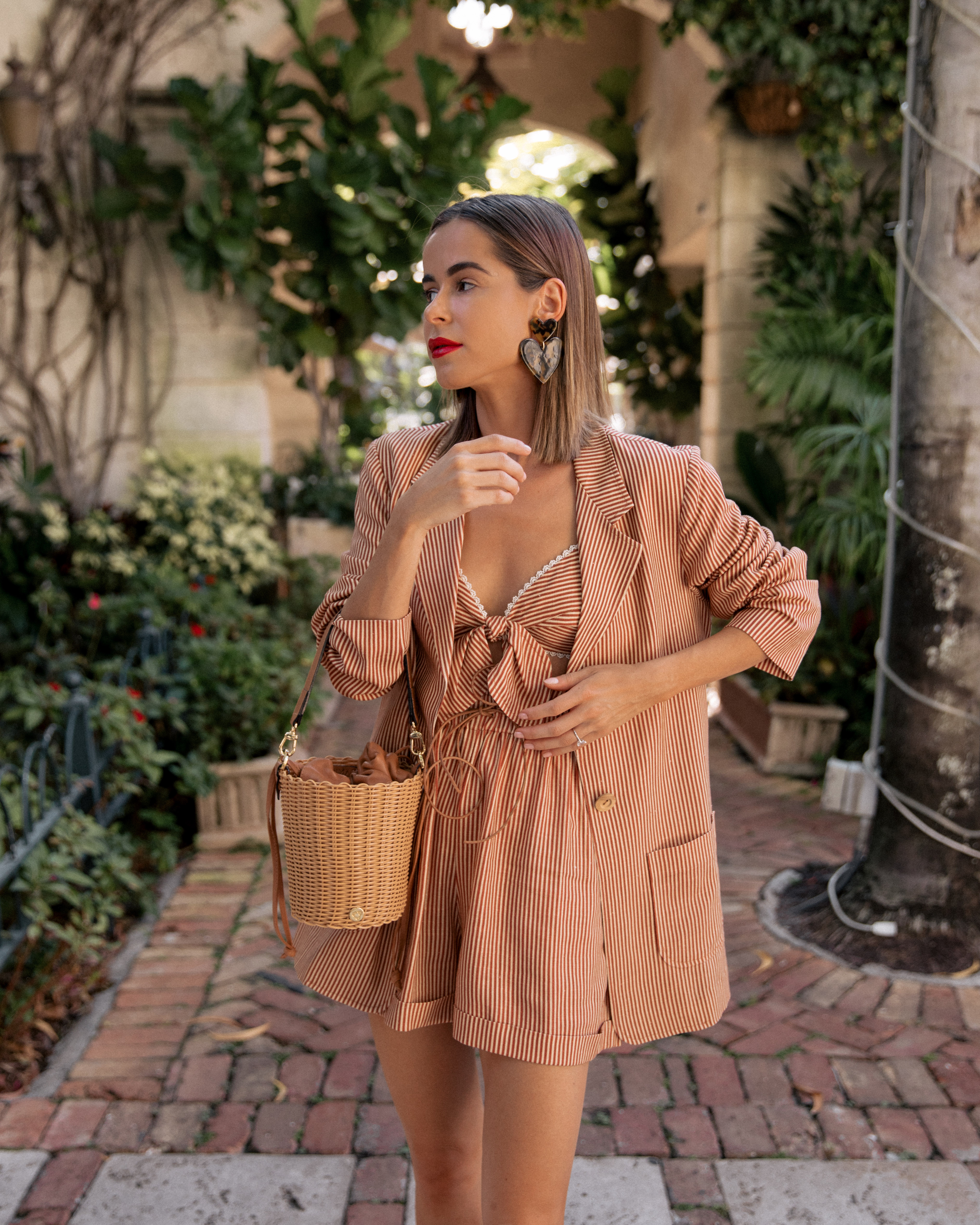 Fashion Blogger Stephanie Hill from The Style Bungalow wears ootd featuring Miguelina