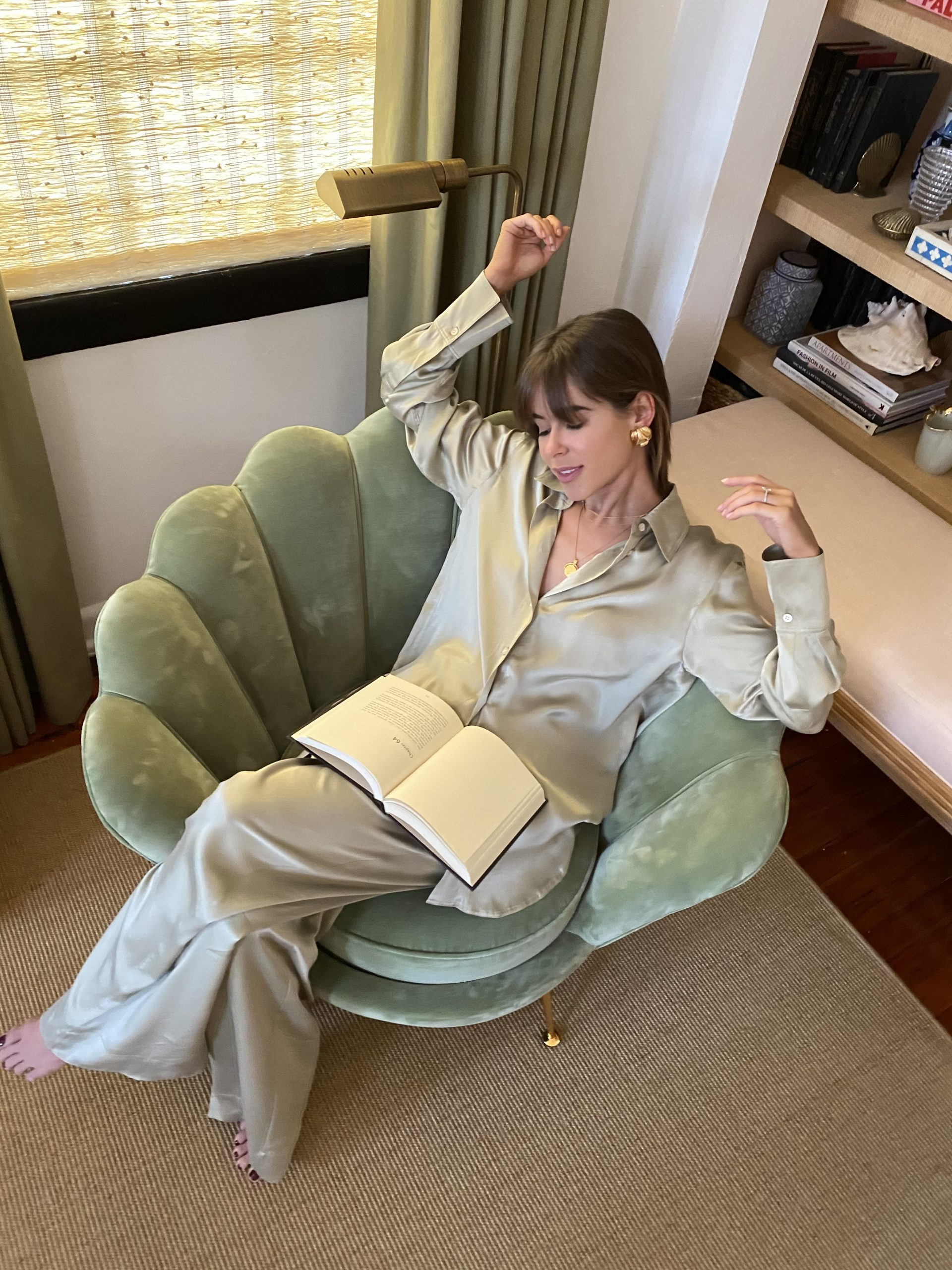 Stephanie Hill shares Your Favorite Books RN on The Style Bungalow