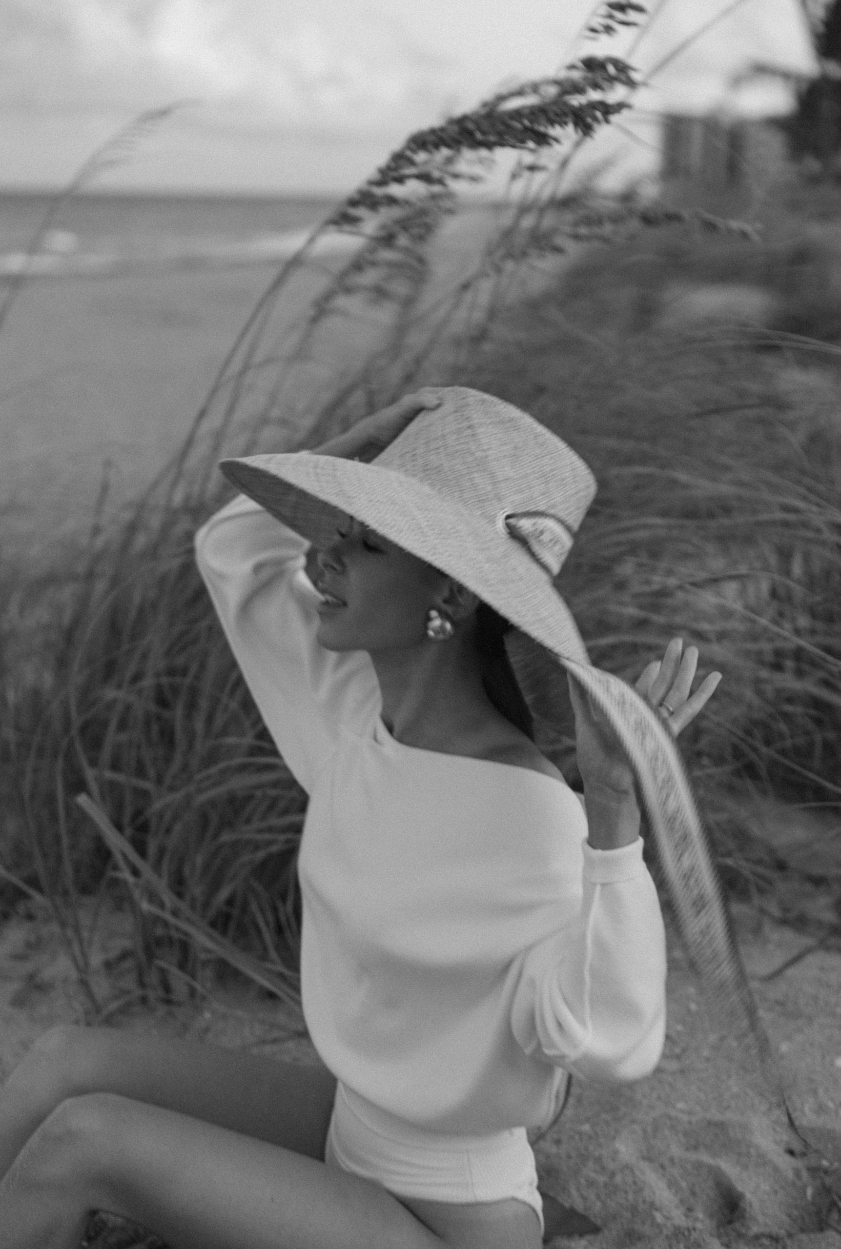 Fashion Blogger Stephanie Hill wears #ootd featuring a Sarah Bray Bermuda hat on The Style Bungalow